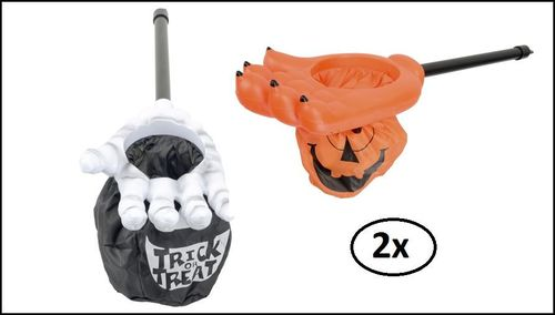 2x Halloween trick and treat hand